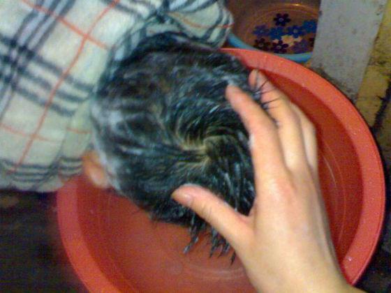 洗头发很配合