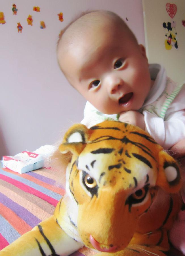 好奇伴随宝宝成长图片
